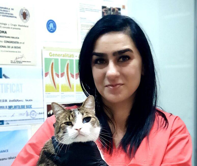 Dr. Raluca Zvorășteanu, Președinte RSVD – Romanian Society of Orofacial Surgery and Veterinary Dentistry: Atenție la produsele de dezinfecție, vă pot intoxica animalele de companie!