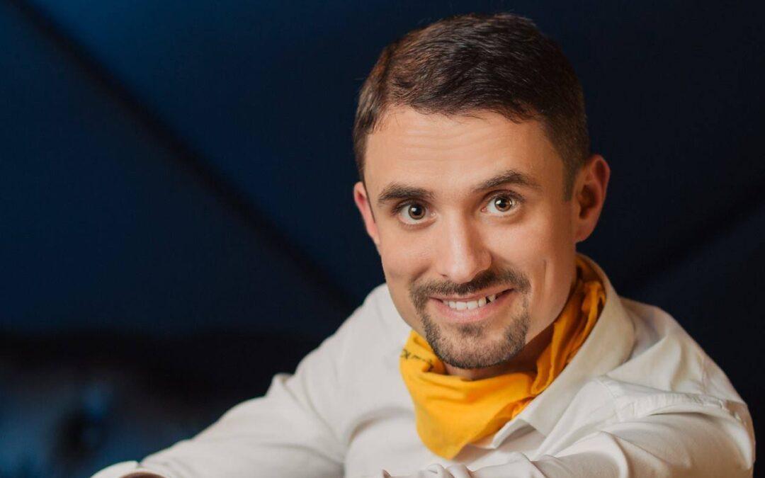 Andrei Țigănaș, sculptor de voci: Cum să te exprimi ușor și cu rezultate mai bune în mediul online